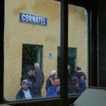 Leider blieb das Wetter 2015 bei den ersten Dampffahrten ab Cornățel meist regnerisch. Trotzdem kamen rund 1000 Fahrgäste an diesem Wochenende zur Schmalspurbahn ins Harbachtal